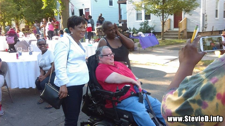 Mayor Toni Harp w/ Block Party Organizers Sandra Roberts & Ann Swain